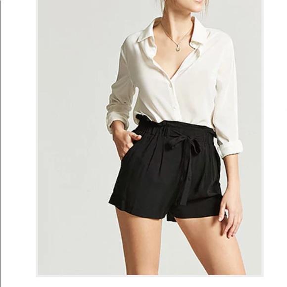 Forever 21 Pants - NWT Black Paper Bag Shorts M